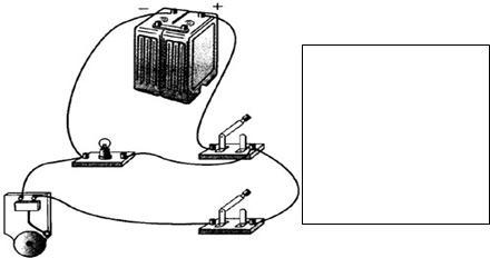 在右侧的方框中画出左侧实物接线图对应的电路图.